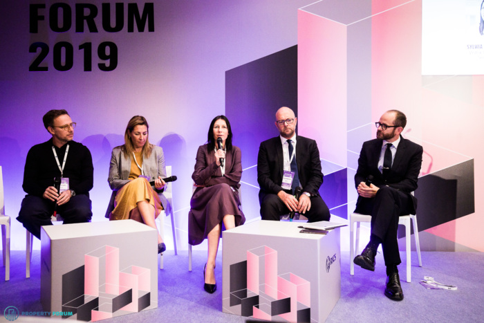 Workplace panel: Marley Fabisiewicz (spaceOS), Lara Paemen (IFMA EMEA), Sylwia Toczyska (Vistra Corporate Services), Giles Bateman MRICS (IWG plc) and Andrej Leontiev LL.M. (Taylor Wessing)