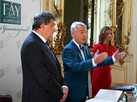 Csányi Sándor, az OTP elnök-vezérigazgatója és Dr. Vizi E. Szilveszter, az MTA elnöke