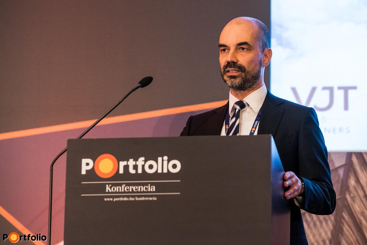 dr. Lovretity András (M&A vezető partner, VJT & Partners Ügyvédi Iroda): Irány külföld! De hogyan?