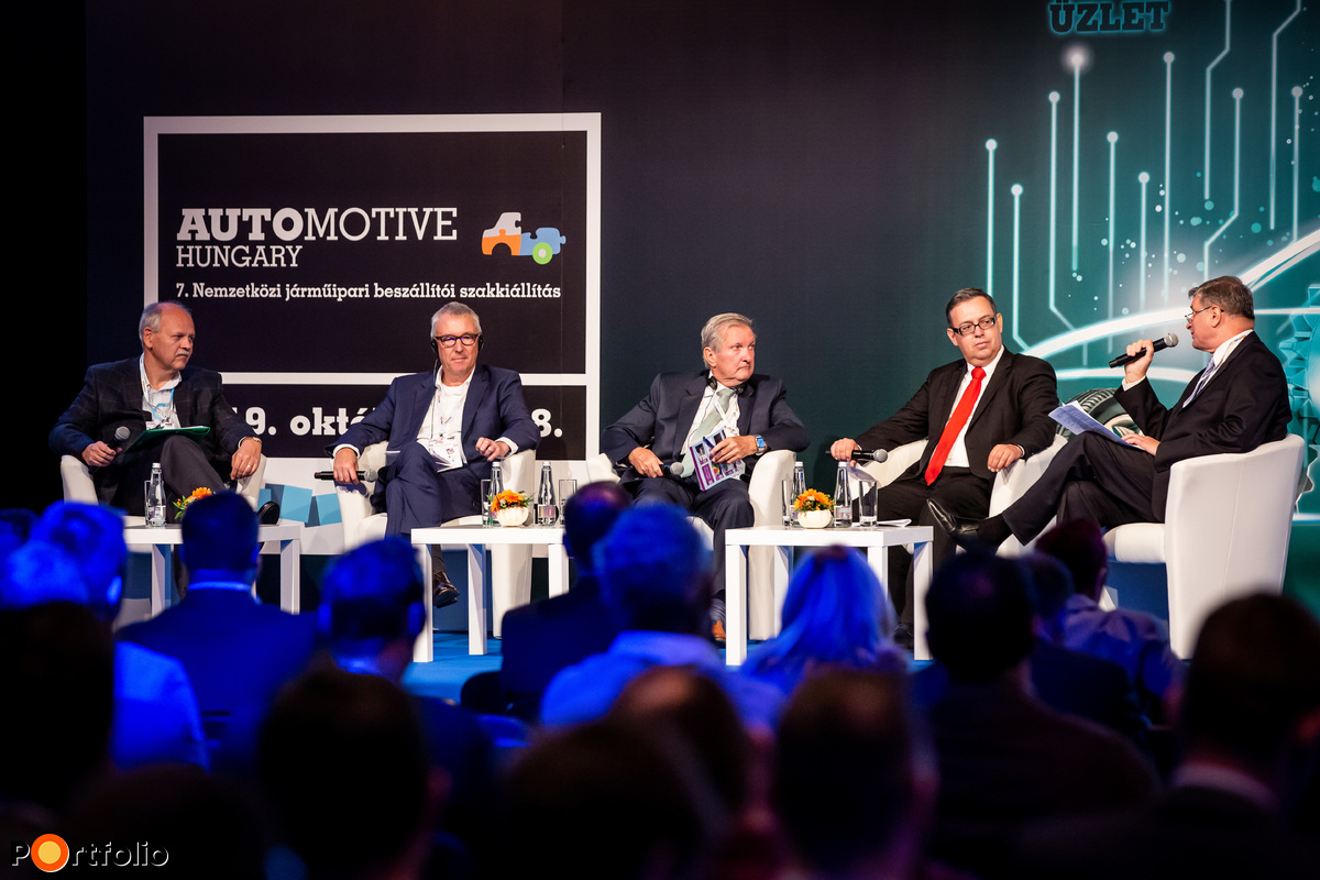 Panel discussion: The key factors of successful development projects. Conversation participants: László Thierry (Managing Director, ElringKlinger Hungary Kft.), Uwe Mang (General manager commercial, Starters E-Components Generators Automotive Hungary Kft.), Imre Győri (Managing Director, Magyarmet Finomöntöde Kft.), Marc Eckstein (CEO, thyssenkrupp Components Technology Hungary Kft.) and the moderator, Csaba Kilián (CEO, Association of the Hungarian Automotive Industry (MAGE))