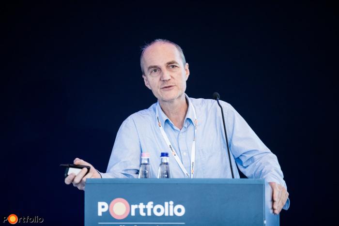 Prof. Csabai István (Professor of Physics, ELTE Eötvös University): Mesterséges intelligencia az orvostudományban