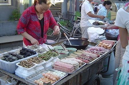 Tengeri herkentyűk egy pekingi piacon