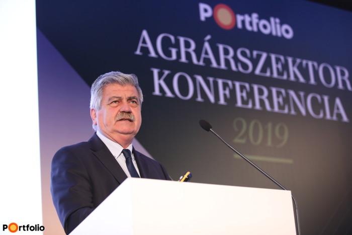 Farkas Sándor (parlamenti államtitkár, Agrárminisztérium): Kulcskérdés a versenyképesség – Kormányzati intézkedések és tervek a magyar agráriumban