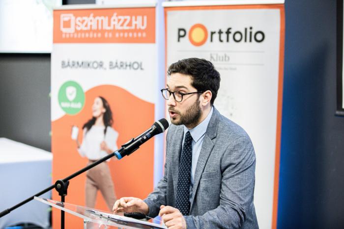 Köszöntő - Varga Szabolcs, szerkesztő, Portfolio Csoport