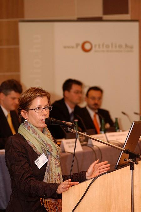 A BA-CA társ-előadója Bécsből - Andrea Leopold (Portfolio.hu Pénzügyi Konferencia)