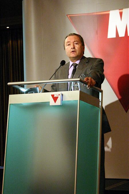 Michel-Marc Delcommune stratégiai igazgató prezentációja