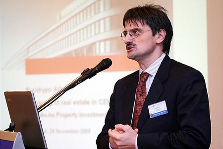 A felütést Számely Péter (Eurohypo, RICS) adja meg