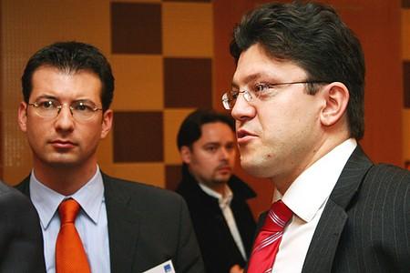 Jobbra: Győrfi-Tóth Péter, DLA Weiss-Tessbach Horváth és Társai Ügyvédi Iroda
