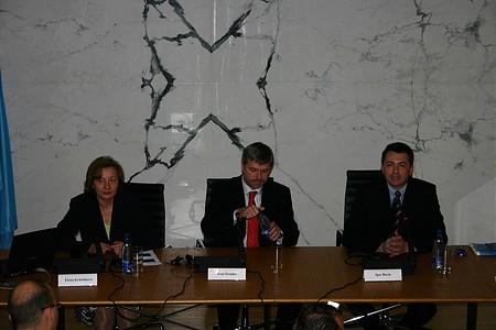 Elena Kohutiková (alelnök), Ivan Sramko (elnök) és Igor Barát (szóvivő)
