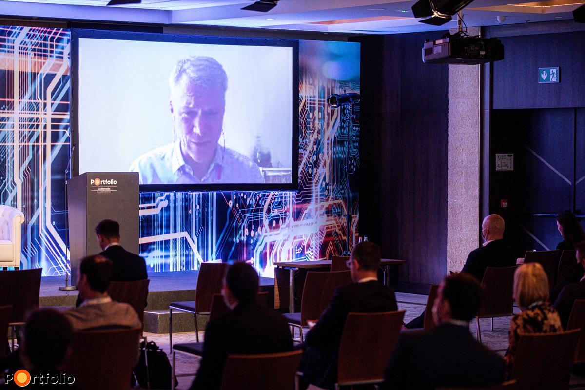 Christopher Mattheisen (ügyvezető igazgató, Microsoft Magyarország): A bankszektor jövője és a felhő technológia