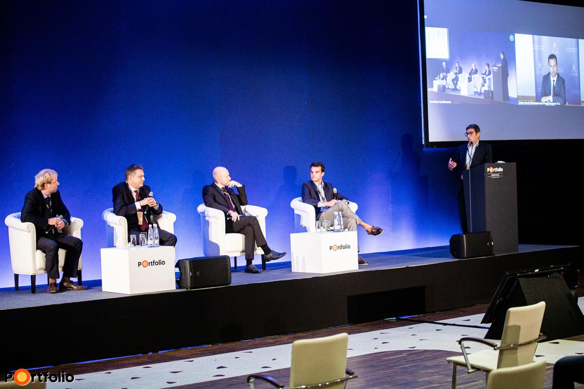 Fektessünk a jövőbe, de hogyan? - A pénzügyi piacok új kihívásai. A beszélgetés résztvevői: Wieder Gergő (Menedzser, KPMG), Vízkeleti Sándor (BAMOSZ elnöke, Amundi Alapkezelő Zrt.), Kurali Zoltán (vezérigazgató, Államadósság Kezelő Központ Zrt. online), Gyura Gábor (főosztályvezető, Fenntartható Pénzügyek Főosztály, MNB), Csárdás Péter (ESG tanácsadó) és a moderátor, Bozsik Balázs (vezérigazgatói tanácsadó, Budapesti Értéktőzsde)