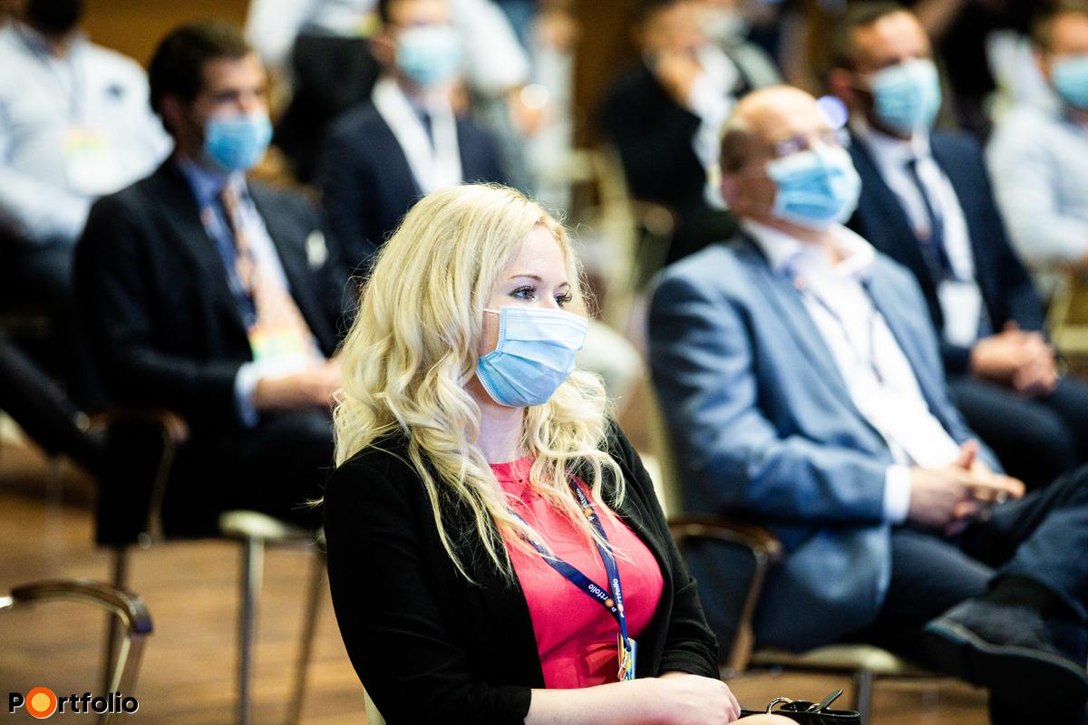 Résztvevőink is hozzájárultak a biztonság megteremtéséhez: arra kértük őket, hogy a rendezvény egész területén viseljenek maszkot.