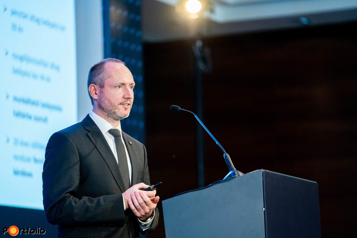 Dr. Szebelédi Ferenc (főosztályvezető, Magyar Nemzeti Bank): Nyugdíjcélú megtakarítások – A kötelező beléptetés lenne a megoldás?