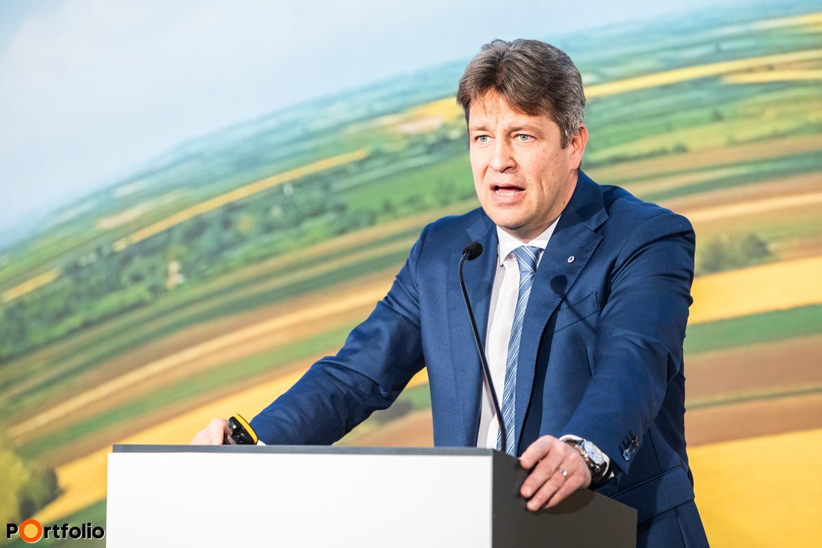 Kulik Zoltán (vezérigazgató, Vitafort Zrt.): Tartjuk a frontot – Takarmányos trendek egy vírusterhes évben