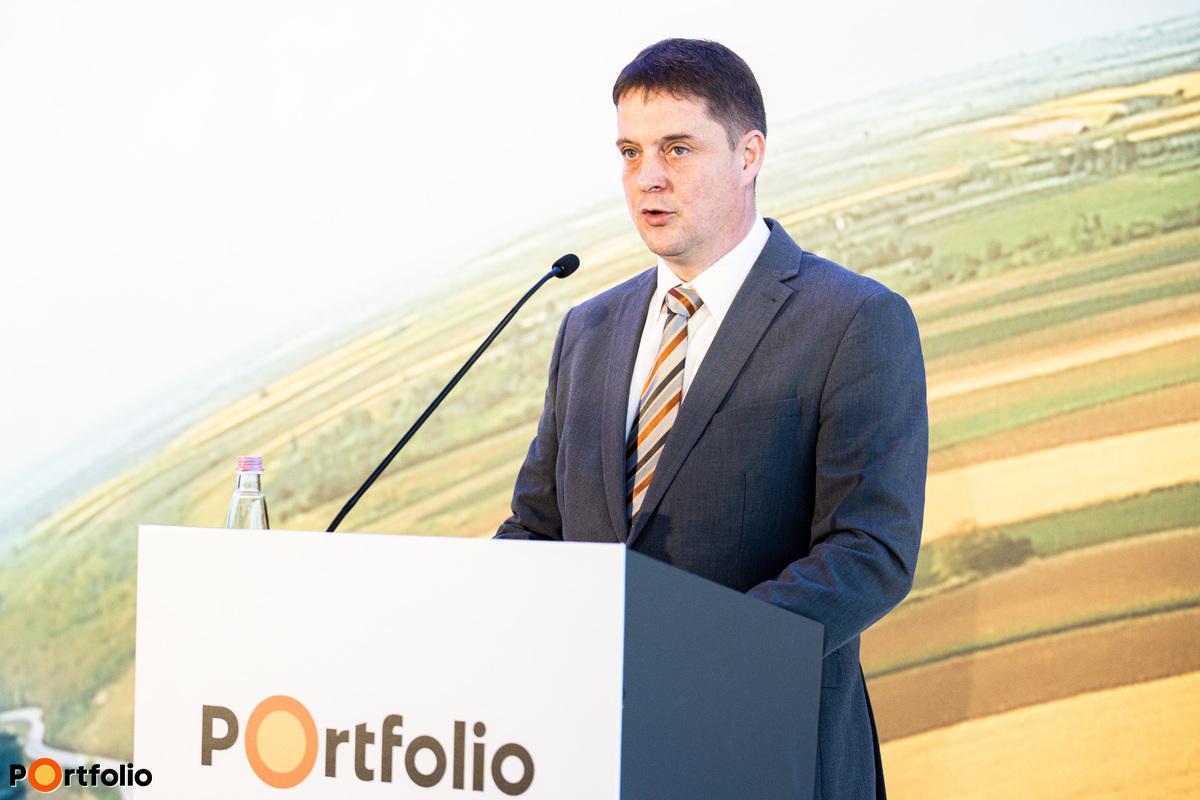 dr. Detre Miklós (a Horizontális Feladatok Végrehajtásáért Felelős igazgató, Magyar Államkincstár): Agrártámogatási kifizetések a Magyar Államkincstárnál 2020-ban – Kifizetési tervek a 2021-es átmeneti évben