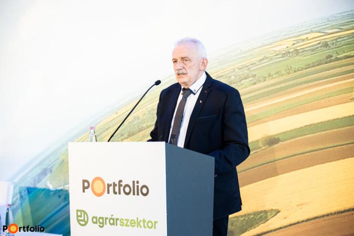 Borsfai Atilla Gyula (főosztályvezető, Nemzeti Földügyi Központ): Öntözésfejlesztés 2020: Aktuális kérdések, fejlesztési irányok
