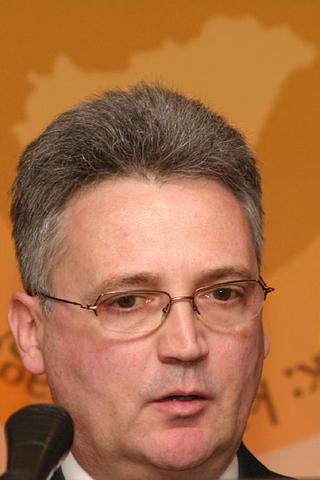 Zoltán Gellényi (Sempra Metals): contango and backwardation