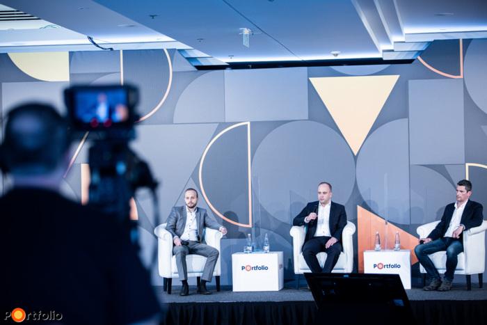 Hibrid panelbeszélgetés: Fenntartható vs. hagyományos befektetések és termékek Magyarországon – Mire vágynak az ügyfelek?