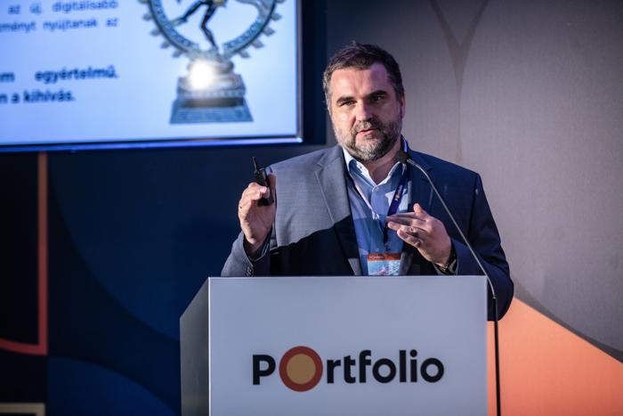 Kovach Anton (vezérigazgató, ShiwaForce.com): Panelfelvezető előadás