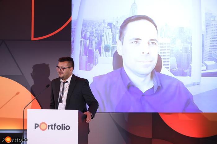 Mátrai Géza MBA (nagyvállalati értékesítési vezető, Salesforce) online csatlakozott: Digitális bankolás a KKE-régióban