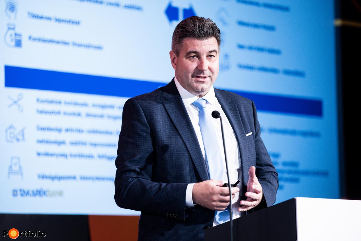 Bertalan Sándor (Vállalati és Intézményi üzleti divízió/ ügyvezető igazgató, Takarékbank): Kkv-finanszírozási tapasztalatok - Covid 3.0