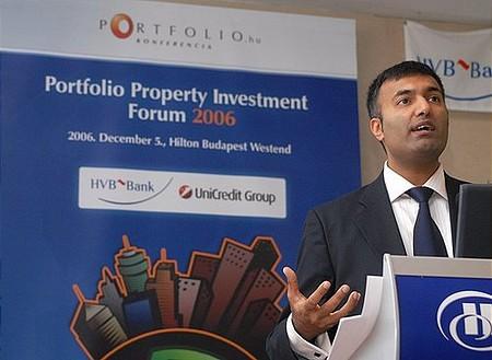Milan Khatri: Félni kell a devizahitelektől