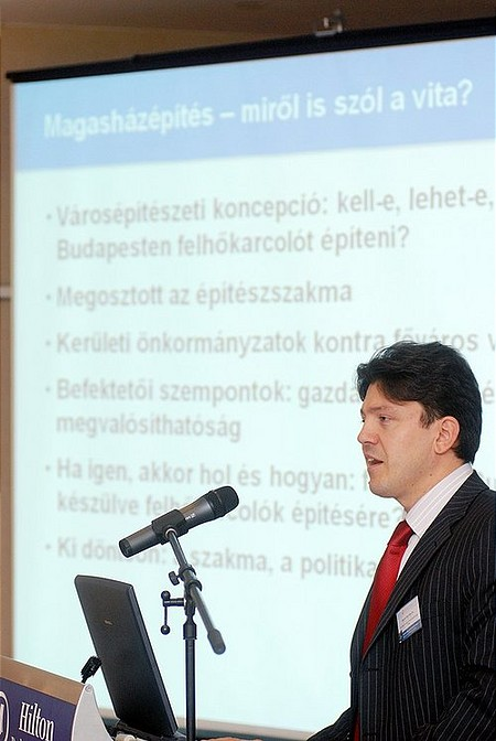 Dr. Györfi-Tóth Péter, DLA - égig érő házak?