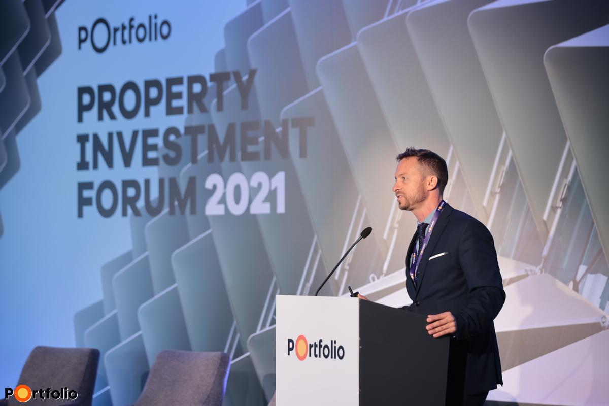 Borbély Gábor MRICS (CBRE, kutatási igazgató): Real estate as a real value - Property market in the light of Agenda 2030 (Fotó: Mónus Márton, Mudra László)