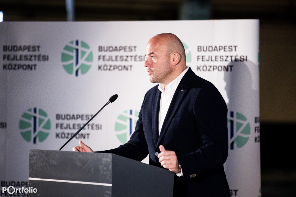 Dr. Homolya Róbert (elnök-vezérigazgató, MÁV Zrt.): A MÁV tervei és fejlesztései a budapesti agglomerációban (Fotó: Stiller Ákos)