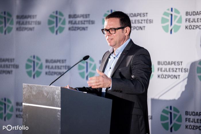 Fürjes Balázs (Budapestért és a fővárosi agglomeráció fejlesztéséért felelős államtitkár, Miniszterelnökség): Így halad a városi és elővárosi vasútfejlesztés stratégia (Fotó: Stiller Ákos)