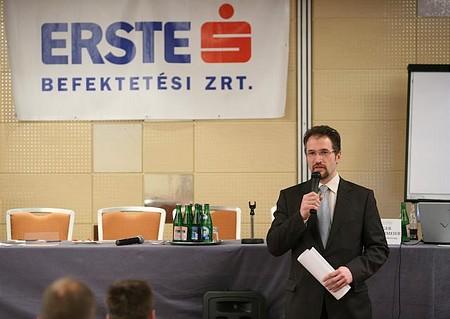 Cselovszki Róbert, az Erste Befektetési Zrt. elnöke, a rendezvény főtámogatójaként köszöntötte a résztvevőket.