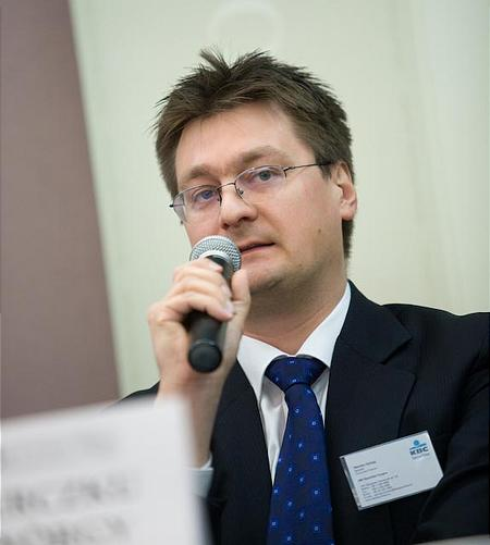 Herczku György (KBC Securities)