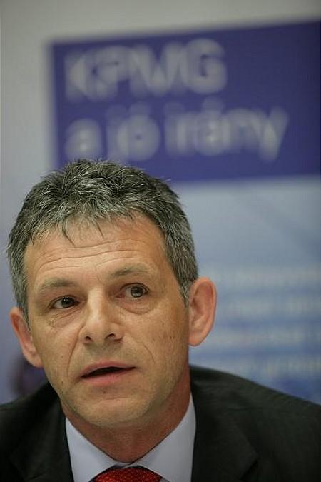 Kajtár László, a KPMG partnere személyes tapasztalatait osztotta meg a díjazottakkal