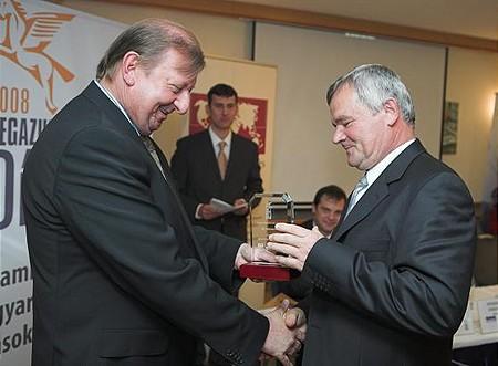 A nyugat-magyarországi régió 3. díját a Ferrit Ipari és Szolgáltató Szövetkezet elnöke, Gál Béla vette át