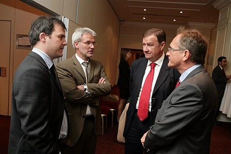 Az alapítók a díszvendéggel egyeztetnek (Tüske Tamás, Scheibelhoffer Miklós, Eperjesi Ferenc és Waberer György)