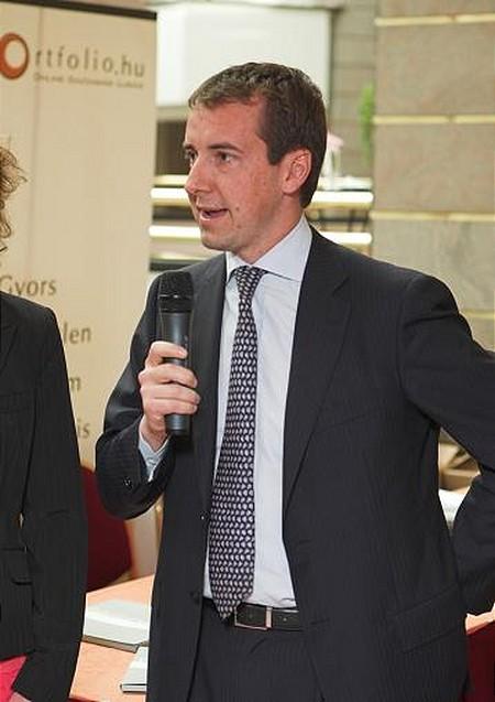 Bonacchi úr cége az RDM, a FINGEN Csoport vezető ingatlanfejlesztő részlege, Olaszország elsőszámú kivitelezője a lakóház-központok terén.