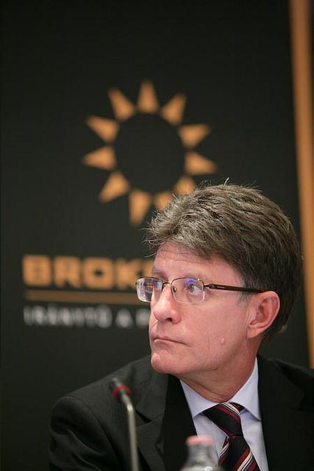 A rendezvény főszponzora képviseletében Gecser Ottó tartott előadást (BROKERNET Holding Zrt.)