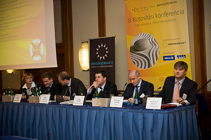 Schaub Erika (Generali-Providencia Biztosító), Kuruc Péter ( K&H Biztosító), Kósa Zoltán (AXA Biztosító), Gaál Csaba (CIG Közép-európai Biztosító), Hanák Gábor (KPMG) és Kovács Zsolt (ING Biztosító) a termékfejlesztéssel foglalkozó szekcióban.