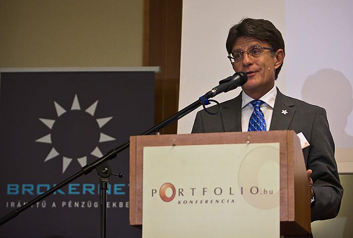 Gecser Ottó, a BROKERNET Investment Holding Zrt. vezérigazgatója a folyamatos innovációról és az oktatás szükségességéről tartott előadást.