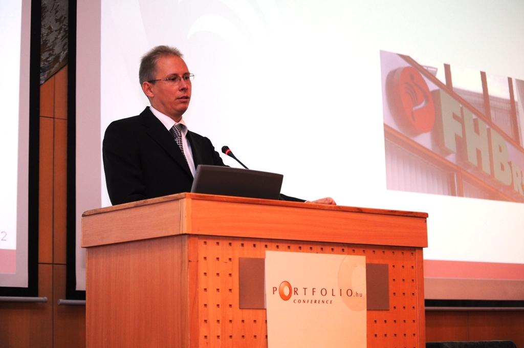Szuda János, az FHB Jelzálogbank ügyvezető igazgatója bizakodó volt a bank jövővel kapcsolatban