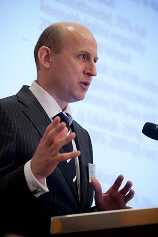 Mit hitelezünk? címmel tartott előadást Harmati László, az FHB vezérigazgató-helyettese.
