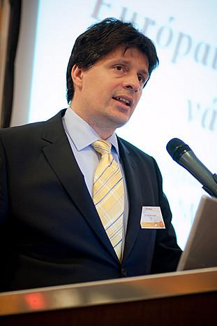 Dr. Farkas Ádám a PSZÁF elnöke, az európai banki szabályozás várható irányáról mondta el véleményét.