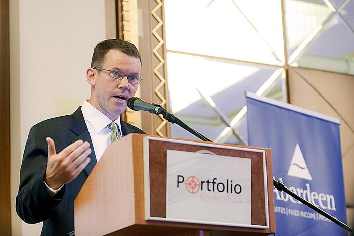 \'Fenyegeti-e adósságválság a fejlett világot?\' címmel tartott előadást Kevin Daly (vezető vagyonkezelő, Emerging Markets Fixed Income, Aberdeen Asset Management) a Portfolio.hu Wealth Management 2010 konferencián