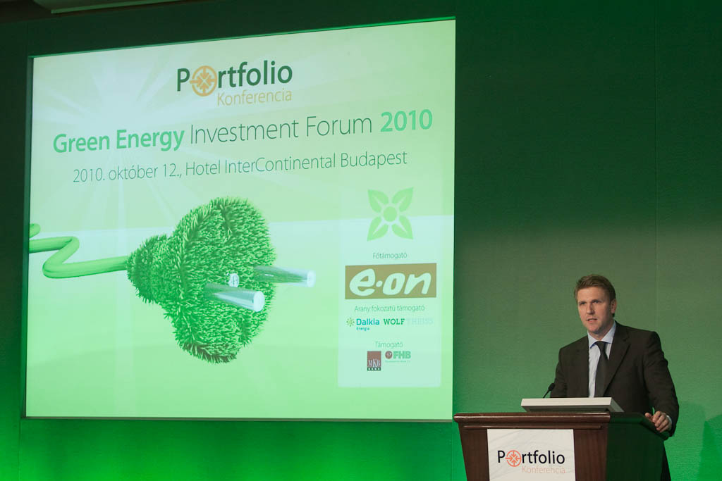 Fernezelyi Ferenc, a Dalkia Energia fejlesztési igazgatója a hatékonyság kérdésére fókuszált előadásában.