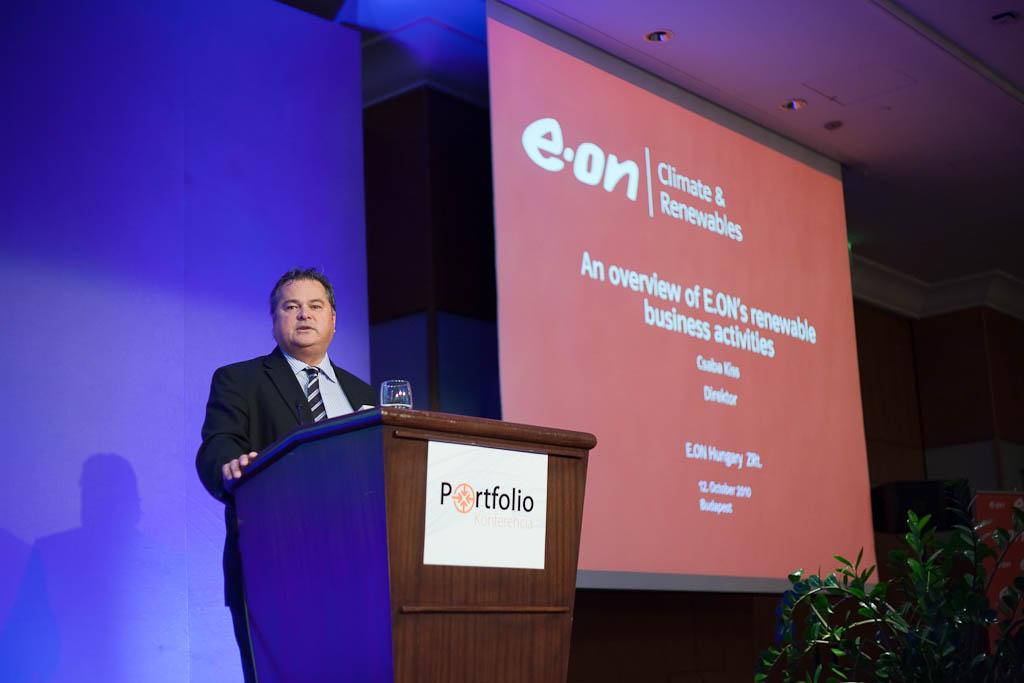 Kiss Csaba, az E.ON Hungária Zrt.energiatermelési igazgatója az E.ON megújuló energiás üzletágának tevékenységét mutatta be.