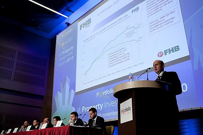 Több mint 400 résztvevővel, 4 különböző helyszínen, valamint a teljes hazai ingatlanpiacot lefedő tematikával és előadókkal zajlott le a november 4-ei, hatodik alkalommal megrendezett Portfolio.hu Property Investment Forum.