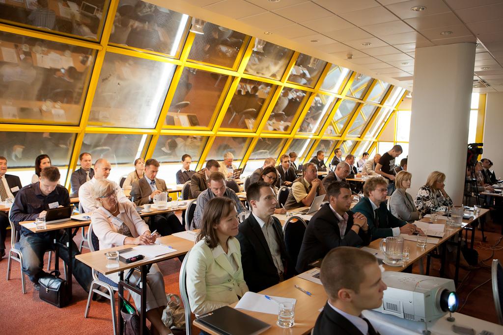 A rendezvényen 50 kis és középvállalkozó cég vett részt, ügyvezetői vagy tulajdonosi szinten képviseltetve magát.
