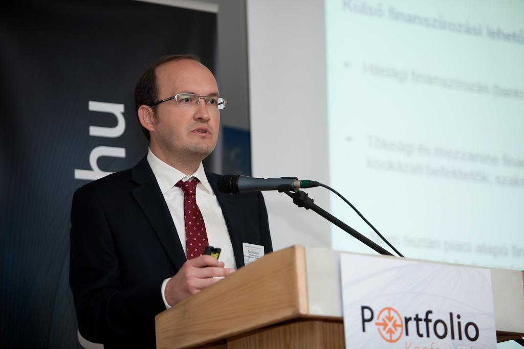 A kockázati tőkebefektetés sajátosságai címmel Buda Sándor (tanácsadási igazgató, MFB Invest Befektetési és Vagyonkezelő Zrt.) tartotta meg prezentációját.