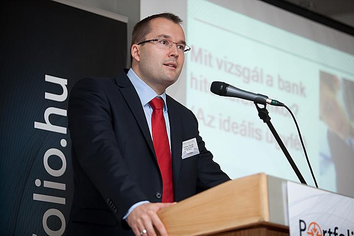 Az FHB Bank Zrt. Vállalati Igazgatóság vezetője, Soltész Gábor Gergő előadásában bemutatta, hogy mi várható a vállalati hitelezésben.