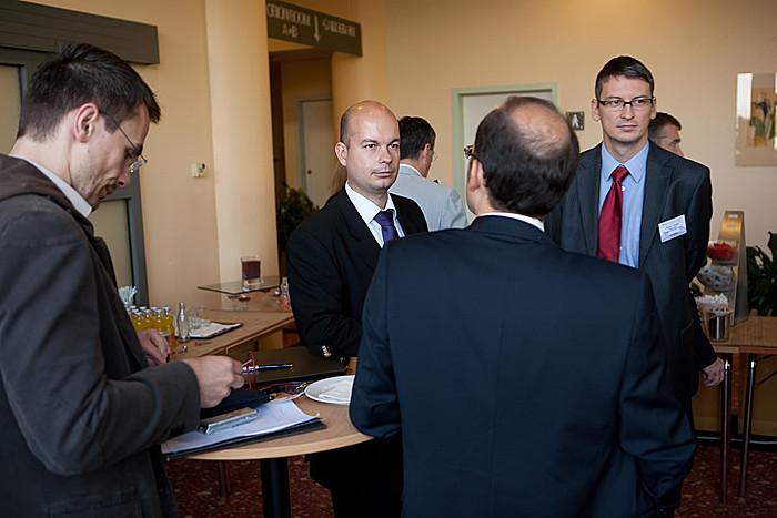 A nap folyamán a vállalkozások tulajdonosai, ügyvezetői és döntéshozói egymással is megvitatták a KKV-k számára adódó lehetőségeket.